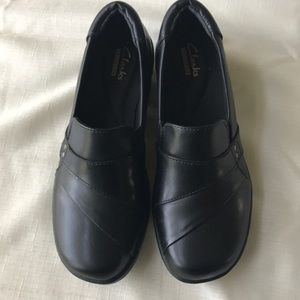 Clark's Collection Black Leather Clogs NWT SIZE 6M